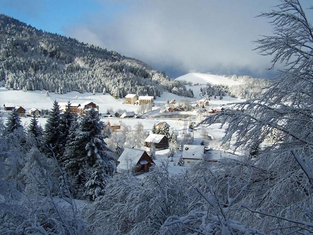 Alpe du grand serre ski ski holidays in france - Office du tourisme alpe du grand serre ...