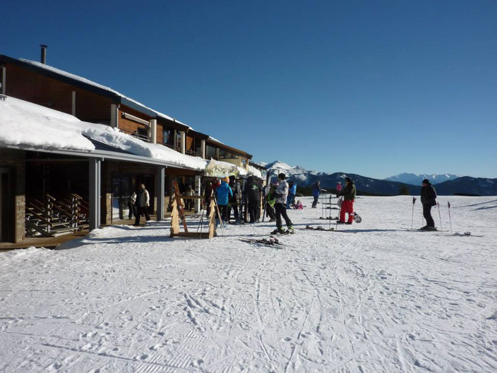 ski dating holidays Welcome to skipals planning skiing holidays is never simple, especially if you are a single skier or a solo snow boarder skipals gives you the opportunity to team up with skiers just like.