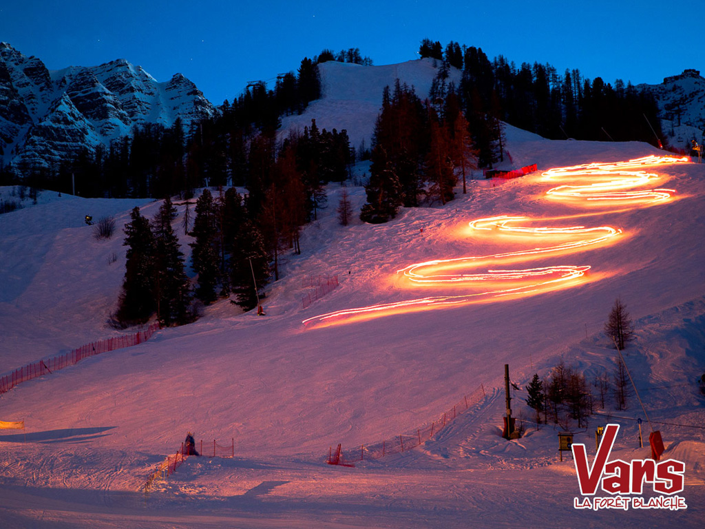 Vars ski ski holidays in france for Moderne skihotels