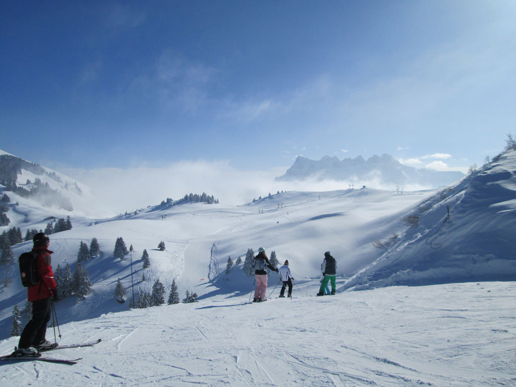 Val d 39 illiez champoussin les crosets ski ski holidays in switzerland - Portes du soleil horaires ...