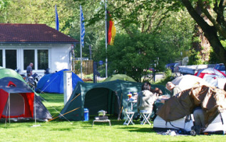 Camping Bodensee: Luchtfoto Camping Seehorn met uitzicht op Bodensee